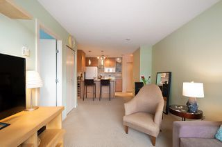 "Photo 9: 710 928 HOMER Street in Vancouver: Yaletown Condo for sale in ""YALETOWN PARK 1"" (Vancouver West)  : MLS®# R2429120"
