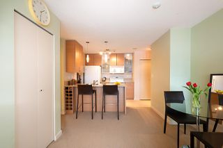 "Photo 10: 710 928 HOMER Street in Vancouver: Yaletown Condo for sale in ""YALETOWN PARK 1"" (Vancouver West)  : MLS®# R2429120"