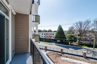 "Photo 12: 305 20696 EASTLEIGH Crescent in Langley: Langley City Condo for sale in ""The Georgia"" : MLS®# R2450545"