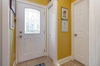 Photo 4: 2 1376 Pandora Ave in Victoria: Vi Fernwood Condo for sale : MLS®# 841235