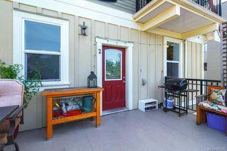 Photo 3: 2 1376 Pandora Ave in Victoria: Vi Fernwood Condo for sale : MLS®# 841235