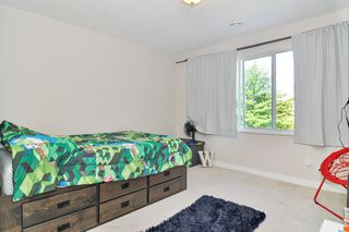 "Photo 13: 47 20881 87 Avenue in Langley: Walnut Grove Townhouse for sale in ""Kew Gardens"" : MLS®# R2491826"