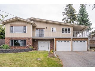 Photo 1: 2316 BEVAN Crescent in Abbotsford: Abbotsford West House for sale : MLS®# R2494415