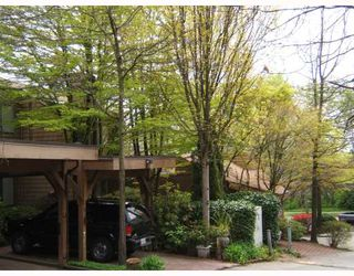 """Photo 3: 8156 RIEL Place in Vancouver: Champlain Heights Townhouse for sale in """"CARTIER PLACE"""" (Vancouver East)  : MLS®# V706237"""