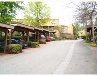 """Photo 2: 8156 RIEL Place in Vancouver: Champlain Heights Townhouse for sale in """"CARTIER PLACE"""" (Vancouver East)  : MLS®# V706237"""