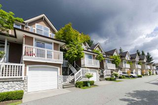 """Photo 2: 11 1506 EAGLE MOUNTAIN Drive in Coquitlam: Westwood Plateau Townhouse for sale in """"RIVER ROCK"""" : MLS®# R2390318"""