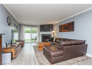 "Photo 3: 136 5641 201 Street in Langley: Langley City Townhouse for sale in ""The Huntington"" : MLS®# R2409027"