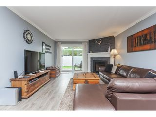 "Photo 4: 136 5641 201 Street in Langley: Langley City Townhouse for sale in ""The Huntington"" : MLS®# R2409027"