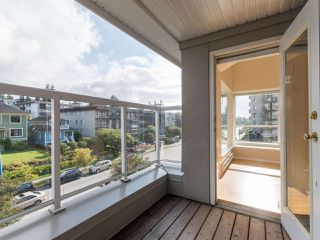 Photo 15: 412 155 E 3RD Street in North Vancouver: Lower Lonsdale Condo for sale : MLS®# R2411577