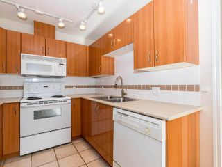 Photo 11: 412 155 E 3RD Street in North Vancouver: Lower Lonsdale Condo for sale : MLS®# R2411577