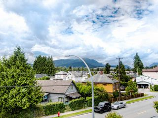 "Photo 4: 305 3128 FLINT Street in Port Coquitlam: Glenwood PQ Condo for sale in ""FRASER COURT TERRACE"" : MLS®# R2456754"