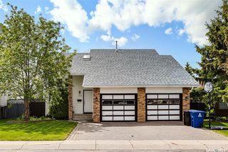 Photo 1: 318 BENTHAM Crescent in Saskatoon: Erindale Residential for sale : MLS®# SK811182