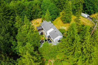 Photo 3: 37855 BAKSTAD Road in Abbotsford: Sumas Mountain House for sale : MLS®# R2470212