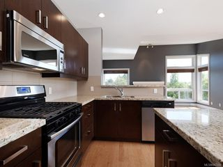 Photo 8: 3 1827 Fairfield Rd in Victoria: Vi Fairfield East Row/Townhouse for sale : MLS®# 842398