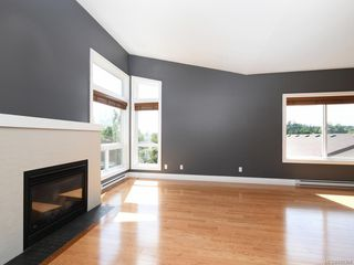 Photo 5: 3 1827 Fairfield Rd in Victoria: Vi Fairfield East Row/Townhouse for sale : MLS®# 842398