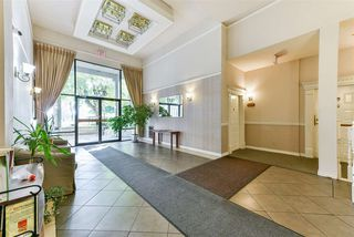 Photo 2: 407 777 EIGHTH STREET in New Westminster: Uptown NW Condo for sale : MLS®# R2479408