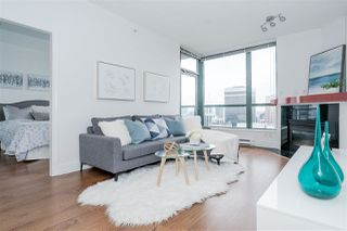 Photo 2: 3209 1239 W GEORGIA STREET in Vancouver: Coal Harbour Condo for sale (Vancouver West)  : MLS®# R2495132