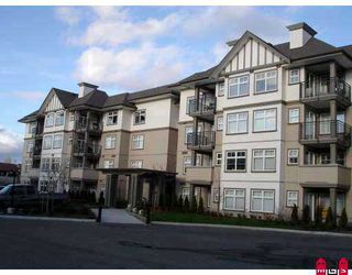 "Photo 1: 447 27358 32ND Avenue in Langley: Aldergrove Langley Condo for sale in ""Willow Creek Phase 4"" : MLS®# F2711833"