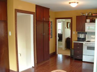Photo 6: 5 Megan Ave in Toronto: House (Bungalow) for sale (E10: TORONTO)  : MLS®# E1150705