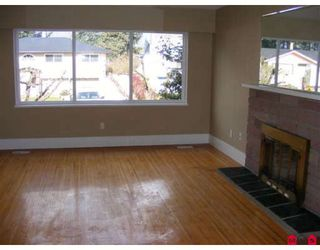 "Photo 2: 15090 ROBIN in Surrey: Bolivar Heights House for sale in ""Birdland"" (North Surrey)  : MLS®# F2804464"