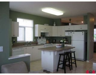 """Photo 3: 18461 67A Avenue in Surrey: Cloverdale BC House for sale in """"Heartland"""" (Cloverdale)  : MLS®# F2817207"""