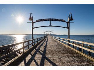 "Photo 2: 302 14965 MARINE Drive: White Rock Condo for sale in ""Pacifica"" (South Surrey White Rock)  : MLS®# R2417642"