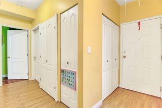 Photo 5: 103 10082 132 Street in Surrey: Whalley Condo for sale (North Surrey)  : MLS®# R2425486