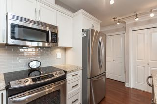 "Photo 20: PH9 15357 ROPER Avenue: White Rock Condo for sale in ""REGENCY COURT"" (South Surrey White Rock)  : MLS®# R2425808"