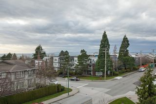 "Photo 6: PH9 15357 ROPER Avenue: White Rock Condo for sale in ""REGENCY COURT"" (South Surrey White Rock)  : MLS®# R2425808"