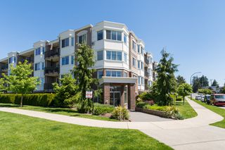 "Photo 31: PH9 15357 ROPER Avenue: White Rock Condo for sale in ""REGENCY COURT"" (South Surrey White Rock)  : MLS®# R2425808"
