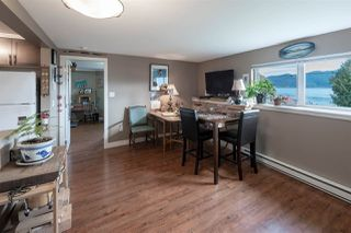 """Photo 12: 535 MARINE Drive in Gibsons: Gibsons & Area House for sale in """"LOWER GIBSONS"""" (Sunshine Coast)  : MLS®# R2464583"""