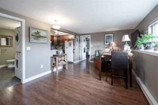 """Photo 13: 535 MARINE Drive in Gibsons: Gibsons & Area House for sale in """"LOWER GIBSONS"""" (Sunshine Coast)  : MLS®# R2464583"""