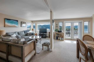 """Photo 4: 535 MARINE Drive in Gibsons: Gibsons & Area House for sale in """"LOWER GIBSONS"""" (Sunshine Coast)  : MLS®# R2464583"""