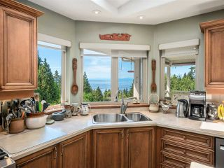 Photo 11: 377 HARRY Road in Gibsons: Gibsons & Area House for sale (Sunshine Coast)  : MLS®# R2480718