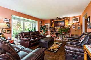 """Photo 3: 2068 180 Street in Surrey: Hazelmere House for sale in """"REDWOOD HEIGHTS"""" (South Surrey White Rock)  : MLS®# R2508182"""