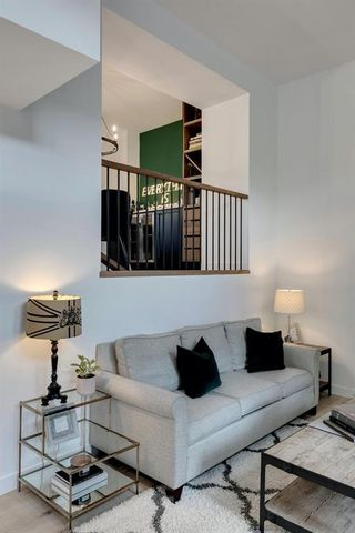 Photo 12: 256 Point Mckay Terrace NW in Calgary: Point McKay Row/Townhouse for sale : MLS®# A1047265