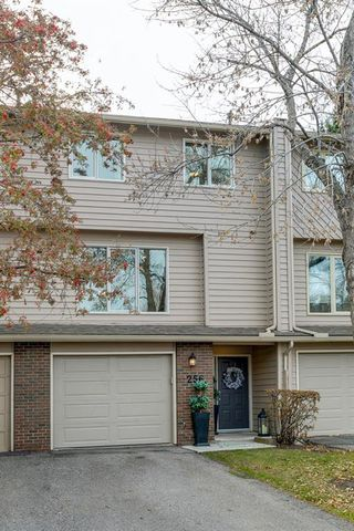 Photo 45: 256 Point Mckay Terrace NW in Calgary: Point McKay Row/Townhouse for sale : MLS®# A1047265