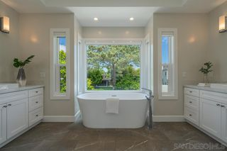 Photo 15: LA JOLLA House for sale : 4 bedrooms : 8676 Dunaway Dr.
