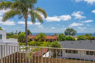 Photo 4: LA JOLLA House for sale : 4 bedrooms : 8676 Dunaway Dr.