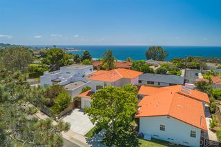 Photo 1: LA JOLLA House for sale : 4 bedrooms : 8676 Dunaway Dr.