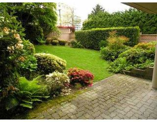 "Photo 2: B3 2202 MARINE DR in West Vancouver: Dundarave Condo for sale in ""STRATFORD COURT"" : MLS®# V565590"