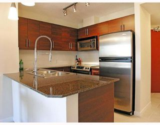 "Photo 2: 1205 813 AGNES Street in New_Westminster: Downtown NW Condo for sale in ""NEWS"" (New Westminster)  : MLS®# V652250"
