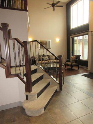 Photo 9: 2435 HAGEN Way in Edmonton: Zone 14 House for sale : MLS®# E4165714