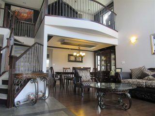 Photo 2: 2435 HAGEN Way in Edmonton: Zone 14 House for sale : MLS®# E4165714