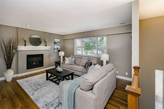 Photo 2: 915 SPENCE Avenue in Coquitlam: Coquitlam West House for sale : MLS®# R2397875