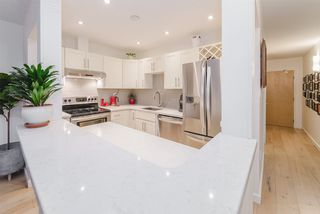 """Photo 12: 105 1750 MAPLE Street in Vancouver: Kitsilano Condo for sale in """"MAPLEWOOD PLACE"""" (Vancouver West)  : MLS®# R2416192"""
