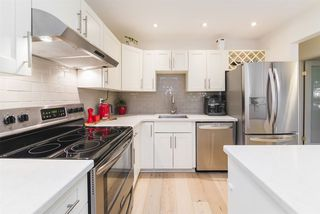 """Photo 11: 105 1750 MAPLE Street in Vancouver: Kitsilano Condo for sale in """"MAPLEWOOD PLACE"""" (Vancouver West)  : MLS®# R2416192"""
