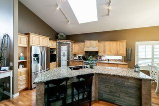 Photo 9: 614 HUNTERS Close in Edmonton: Zone 14 House for sale : MLS®# E4178376