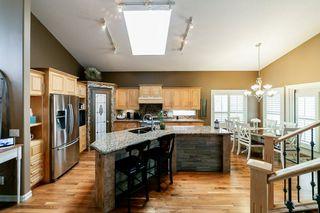 Photo 8: 614 HUNTERS Close in Edmonton: Zone 14 House for sale : MLS®# E4178376