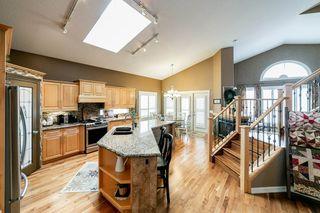 Photo 7: 614 HUNTERS Close in Edmonton: Zone 14 House for sale : MLS®# E4178376